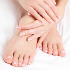 come curare piedi secchi e screpolati